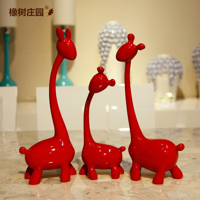 Hot Free Shipping Creative Giraffe Ornament Ornaments Red Deer Resin Three Sets Of Home Furnishings Living