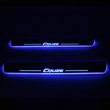 SNCN LED Car Piatto Dello Scuff Assetto Pedale Davanzale Del Portello Pathway In Movimento Della Luce di Benvenuto Per Chevrolet Cruze 2015 2016 2017 2018 badge Emblem