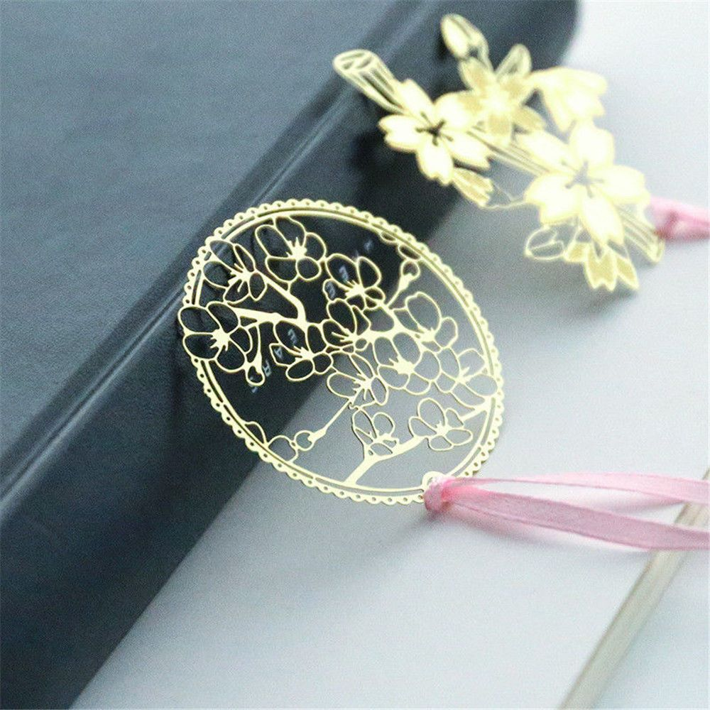 1PCS Bookmarks Clip Gold Metal Hollow Vintage Flowers Page Stationery Office School Supplies For Kids Gift