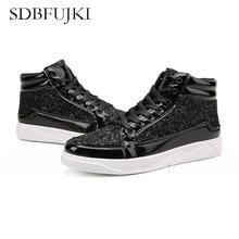 лучшая цена 2019 New Fashion Gold Shoes Men Casual Shoes High-top  Rock shoes Night Club Sneaker Man Sequin Ornament Board Shoes SDBFUJKI