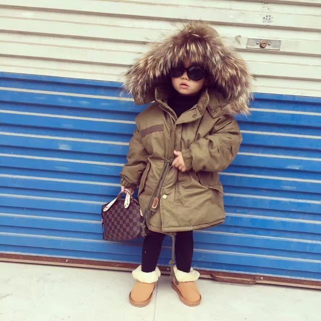 Buenos Ninos caliente grueso collar falso de piel gris negro desmontable con capucha de algodón acolchado de invierno unisex de los niños chaquetas y abrigos 40