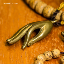 Hand of the Buddha Key Chain Vintage Handmade Brass Pendant meta Keychains religious Ring car key holder