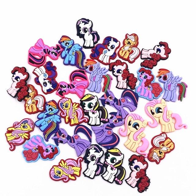 100 Pcs Bella Cartoon Unicorn My Little Horse Accessori Posteriore Piana PVC Gadget Per Bambini Craft Decor FAI DA TE Cassa Del Telefono Pendenti e Ciondoli scherza il Regalo