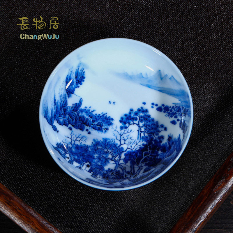 Changwuju in Jingdezheng Kung Fu tea ware hand painted by Jinhongxia blue and white color glaze porcelain tea bowl for host use