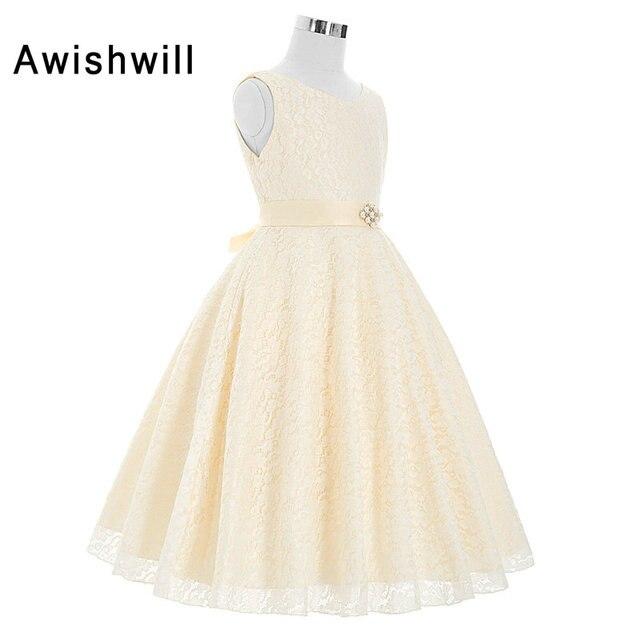 Princesse Style Robe Pour Première Communion Avec Ceinture Beige Couleur  Dentelle Pageant Robe pour Fille Pas 4e3e1753c7f