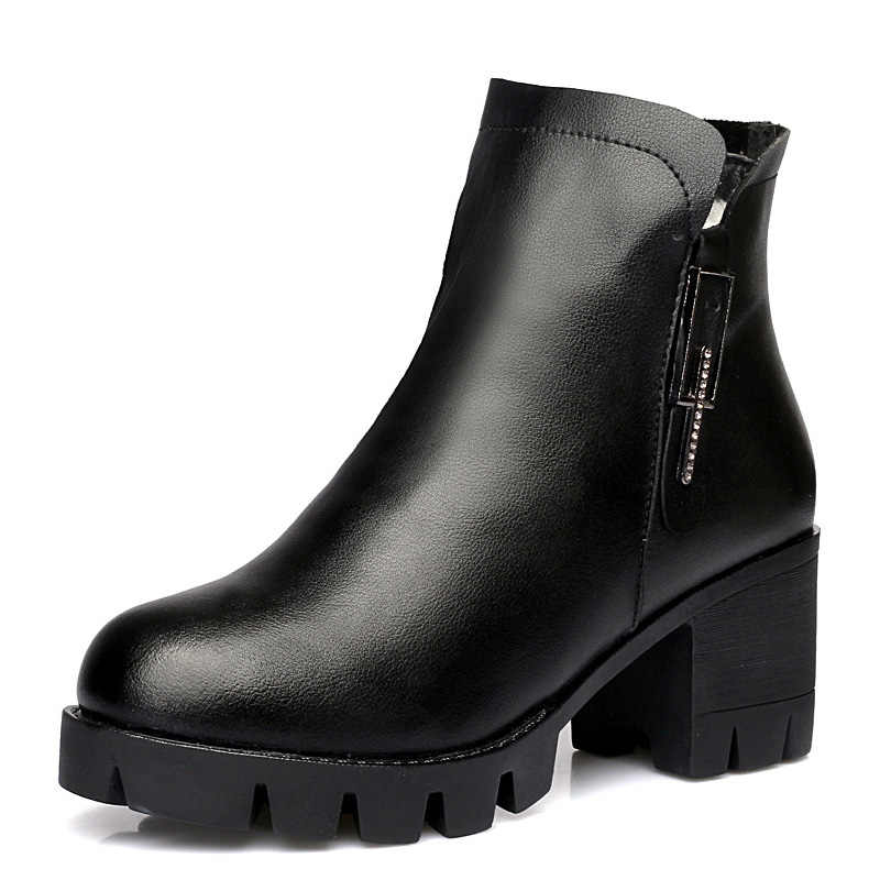 DRKANOL yeni yün kürk kadın kış kar botları 2019 hakiki deri kalın yüksek topuk yarım çizmeler kadınlar için Platform sıcak ayakkabı