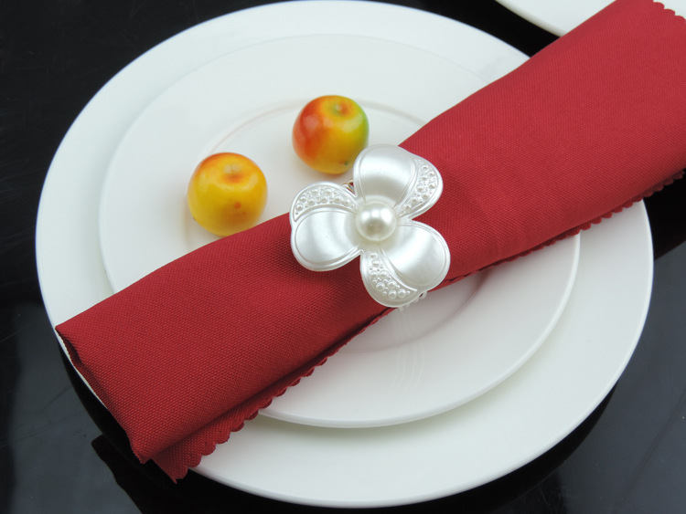 12PCS hotel tableware in the European Western food mouth cloth napkins model room gold and silver rhinestone wide napkin ring bu in Napkin Rings from Home Garden
