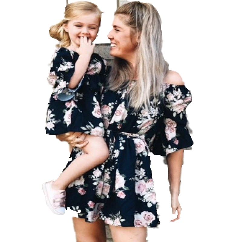2019 платья для мамы и дочки летние платья для мамы и меня семейная одежда в пляжном стиле Одинаковая одежда для мамы и дочки