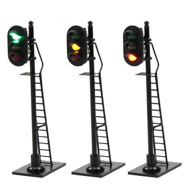 3 pcs 모델 철도 1: 87 빨간색 노란색 녹색 블록 신호 교통 신호 호 규모 6.3 cm 신호등 사다리와 검은 게시물