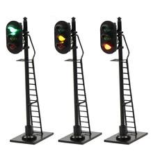 3pcs Model Railway 1:87 Red Yellow Green Block Signal Traffic Signal HO Scale 6.3cm Traffic Light Black Post with Ladder