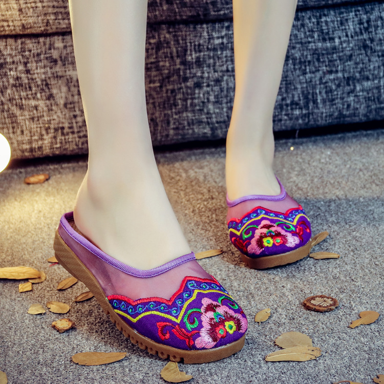 Clearance sale Spring Chinese style flower embroidery handmade women shoes embroidered fashion flats shoes for ladies 4 colors vintage embroidery women flats chinese floral canvas embroidered shoes national old beijing cloth single dance soft flats