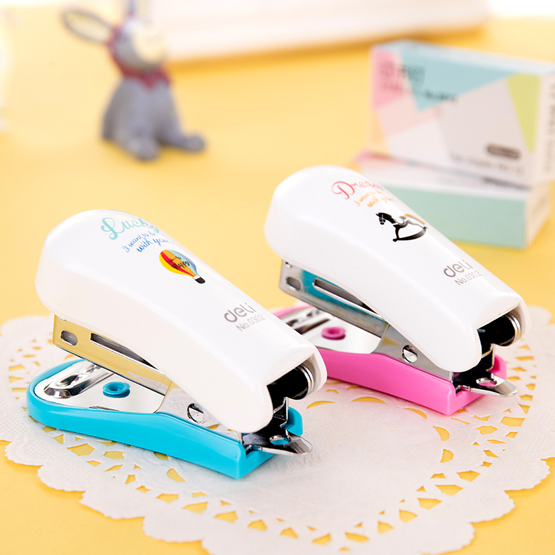 Mini Stapler 24/6 Plastic Stationery Set Kawaii Stapler Mini Paper Binder Geometric Manual Stapler Set 640pcs Staples