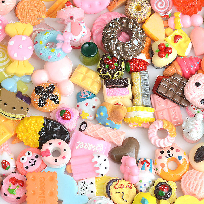 2018 New 50pcs/lot Rement Miniature Pretend Toy Mini PLAY Kitchen FOOD Cake Biscuit Donuts Candy Dolls Accessories For Barbie