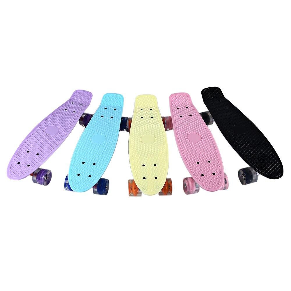 Mini planche à roulettes de poisson de couleur Pastel de Longboard de Style banane de croiseur de 22 pouces avec des roues clignotantes de LED - 3