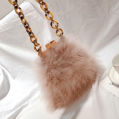 Winter Women Fur Bag Ostrich feather Acrylic Chain Lady Purse Handbags Luxury Design Mini Clip Bags Vintage Chic Messenger Bag chic layered decussation design body chain for women