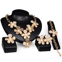 Miss Jewelry Sets Charming Dubai Gold Plated Trendy Classic Flower Designs Costume Jewelry Set For Fashion