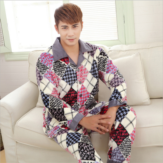 Men 's new winter Flannel Thickening Keep warm pajamas classic Lattice elements fashion Long sleeves  Home clothing
