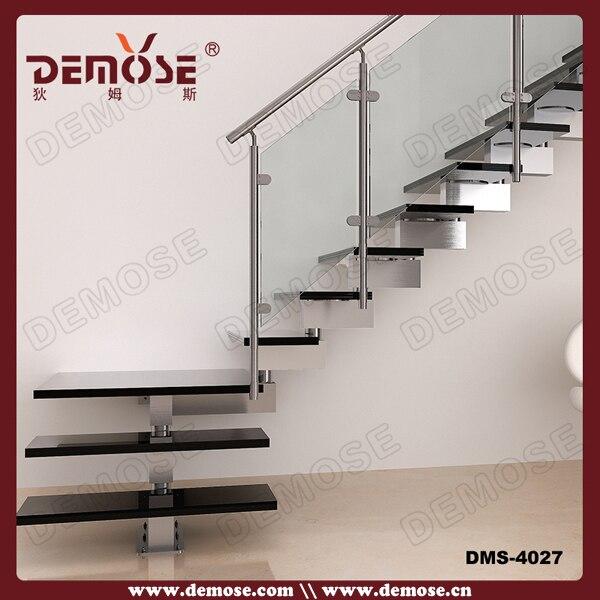 porttil de la escalera de metal para loft
