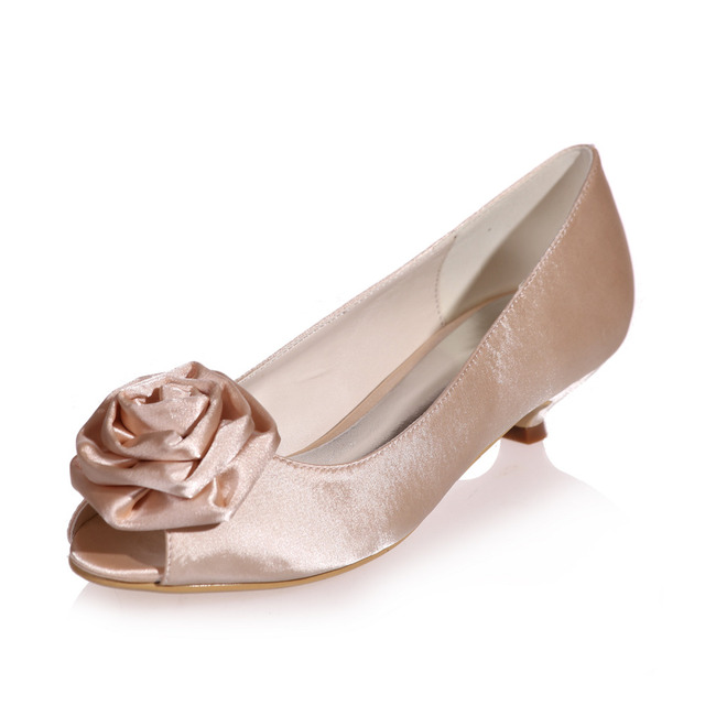 Champagne Color Low Heel Lady Dress Shoes With Flower On The Toe Open Wedding