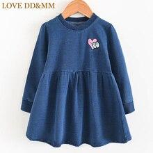 Платья для девочек с надписью «LOVE DD& MM» Новинка осени года, детская одежда повседневное удобное джинсовое платье с длинными рукавами и вышивкой «Wild Love» для девочек