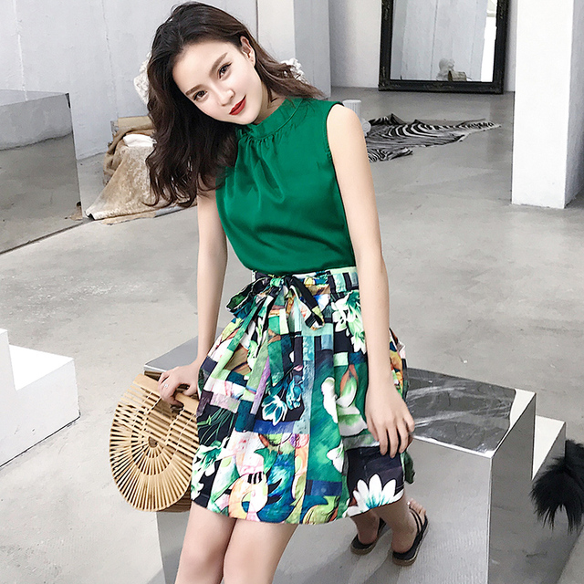 c9788dc616 2018 New Summer Fashion Women Skirt Sleeveless Chiffon Unlined Upper Garment  Dye + Suit Skirts Green 5552