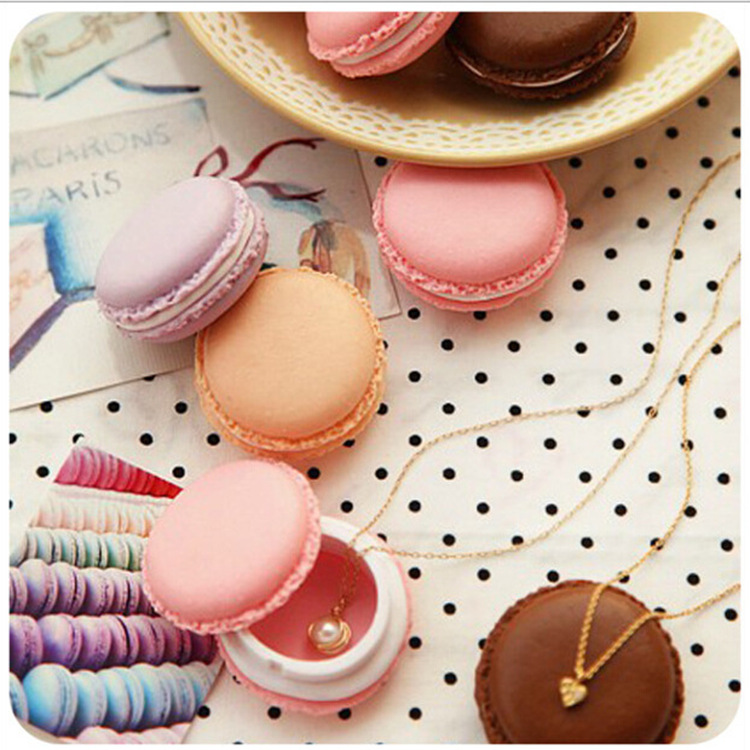 Candy Color Clip Dispenser Macaron Mini Clip Holder Storage Box Cute Kawaii Gifts Office School Supplies Random Color