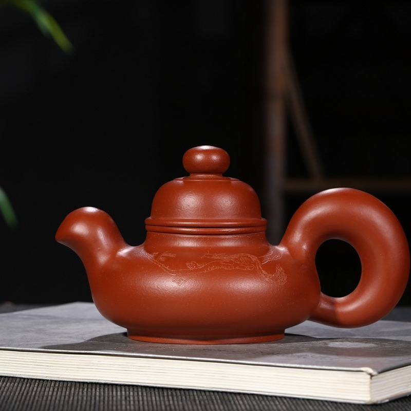 Yixing recommended quality goods famous craftsmen pure manual squirrel pottery carved the teapot tea factory direct saleYixing recommended quality goods famous craftsmen pure manual squirrel pottery carved the teapot tea factory direct sale