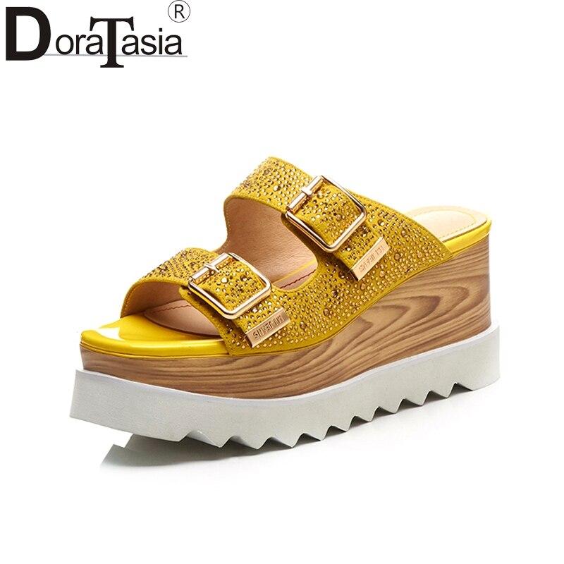 DoraTasia Plus rozmiar 33 40 dzieciak zamszu prawdziwej skóry kliny obcas kobieta buty platformy damskie buty letnie sandały w Wysokie obcasy od Buty na  Grupa 1
