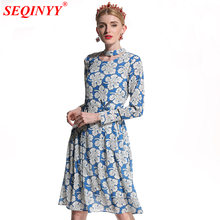 Женское платье с цветочным принтом seqinyy синее/белое вышивкой