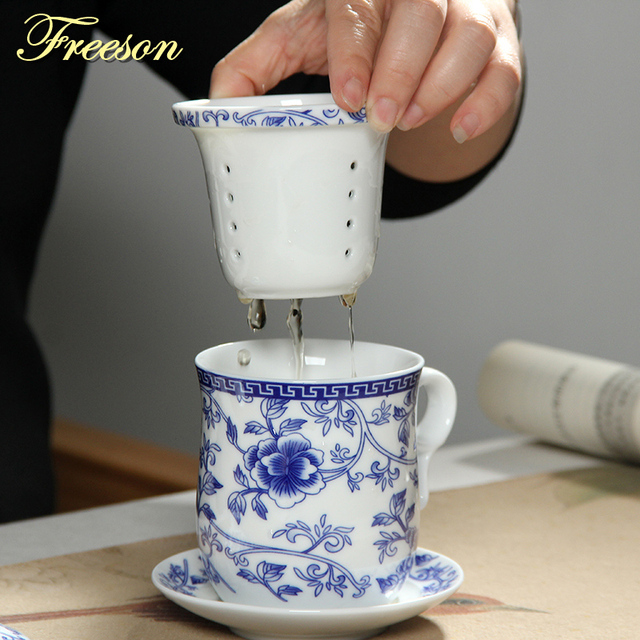 Retro Chinese Blue White Porcelain Tea Cup Set With Saucer Lid