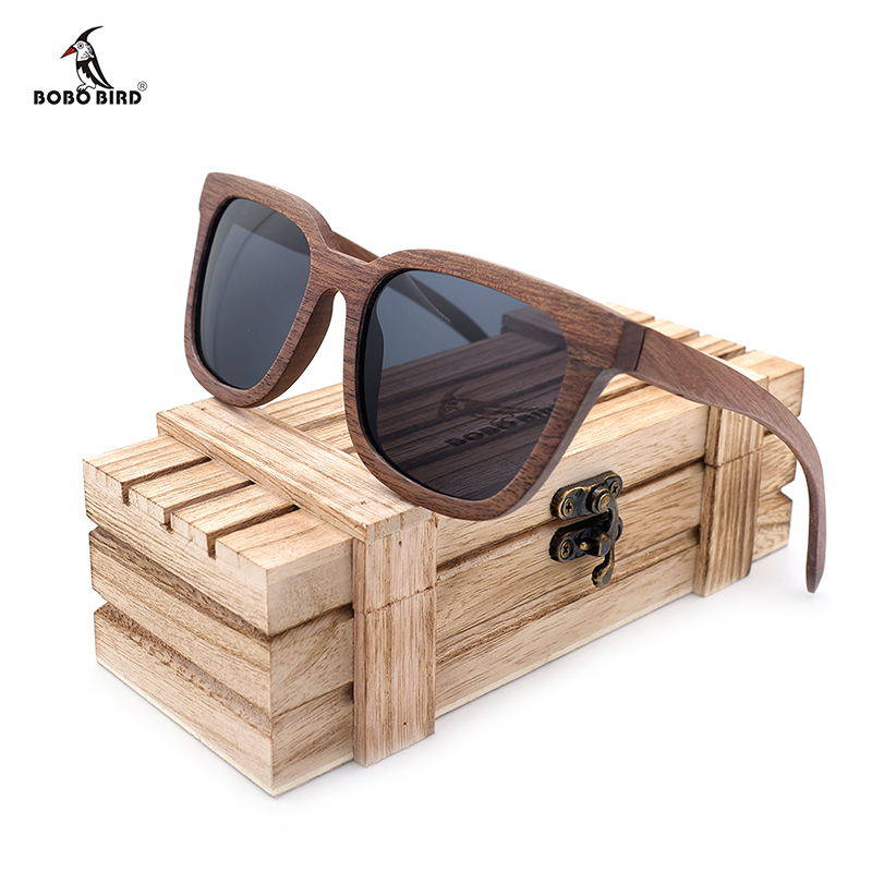 BOBO BIRD Black Walnut Wood Bamboo Polarized Solbriller Mens Glasses UV 400 Beskyttelsesbriller i Wooden Original Box