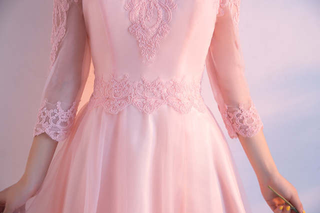 Abendkleider Custom Made Light Pink Prom Dress Three Quarter Short Prom  Dresses 2017 Vestido Curto Boat 85757996f426
