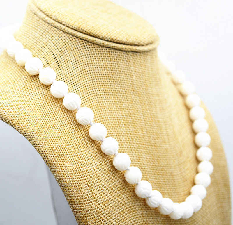 "AAA 10mm White Carving Coral Loose Bead Gems knotted Necklace 18"" Magnetic clasp"