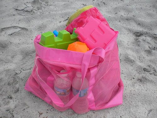 Free Shipping Extra Large Sand Away Beach Mesh Bag Children Toys Clothes Towel Baby Toy Collection Ny In Storage Bags From Home Garden On
