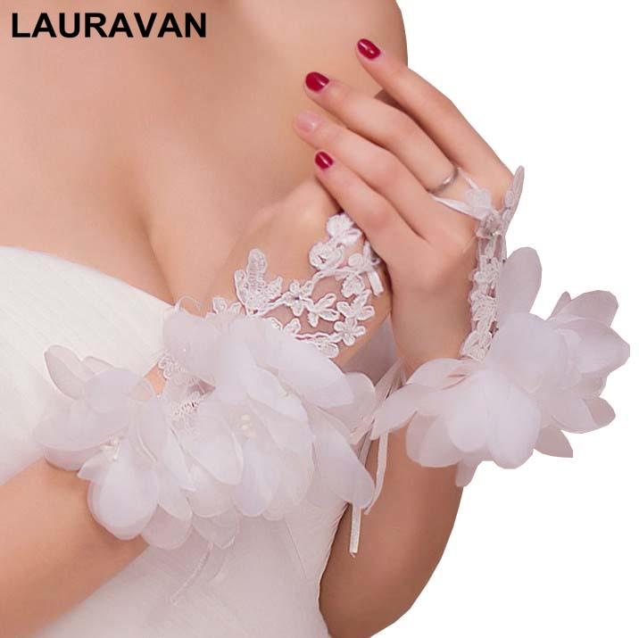Red Ivory Beaded Short Fingerless Bridal Gloves Wedding Gloves Short Design Flower Diamond Decoration Style Gloves For Bride