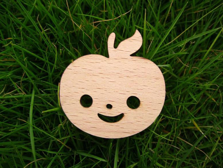 brand new little love apple face wood brooch-in Brooches
