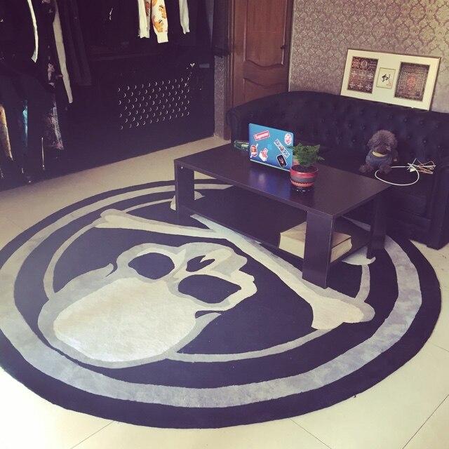Acrylique crâne rond tapis tendance personnalité noir et blanc salon canapé-lit chambre mode tapis personnalisé ajustement chambre tapis