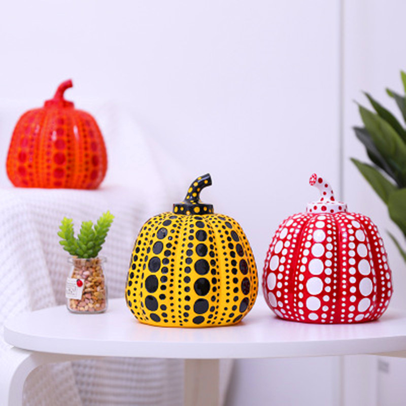 Yayoi Kusama Wave Point Pumpkin Hand Painted Resin Craft Pumpkin Figurine Statue Creative Wine Cabinet Ornaments X1066