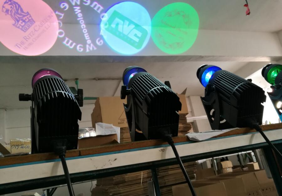 Ny fjärrkontroll 30w vit 5600-6500k minikropp rotera gobo ledd gobo projektor logotyp spot sceneffekt dj ljus