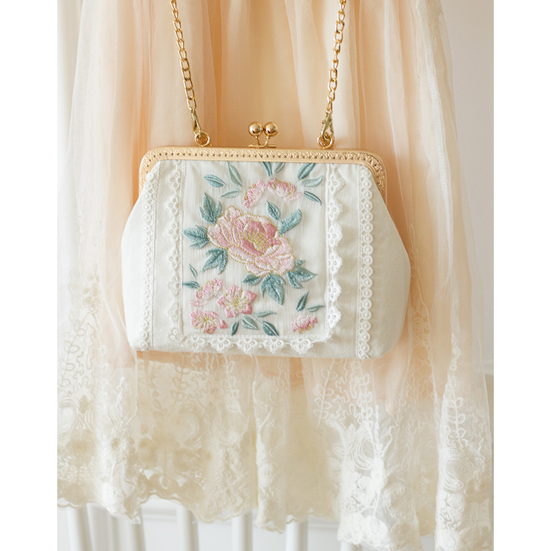 2019 Angelatracy New White Gold Bag Floral Embroidery Japan Lolita Rose Mini Lace Women Handbag Metal Frame Tote Crossbody Bag