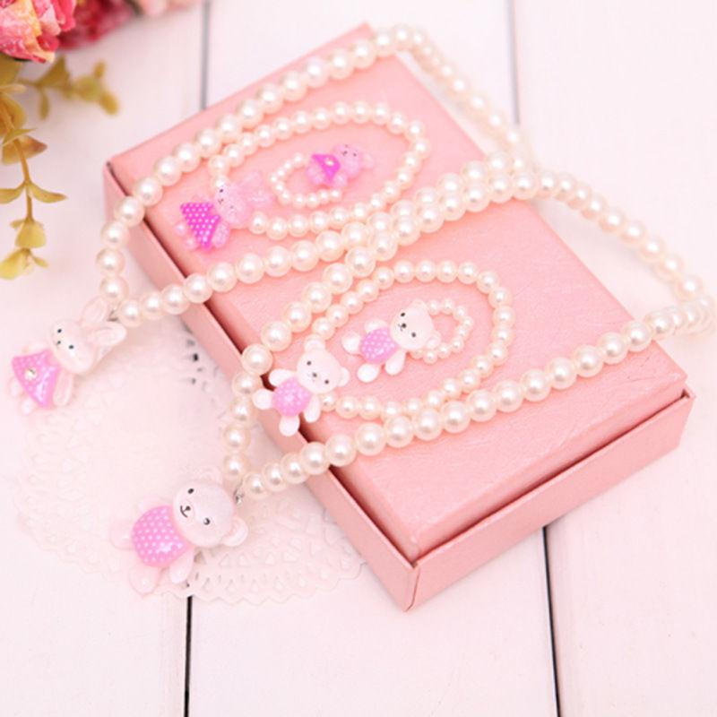 Baby Girls Lovely Imitation Pearls Bead Jewelry Set Cute Rabbit Bear Pendant Necklace Bracelets Ring Sets Send Randomly