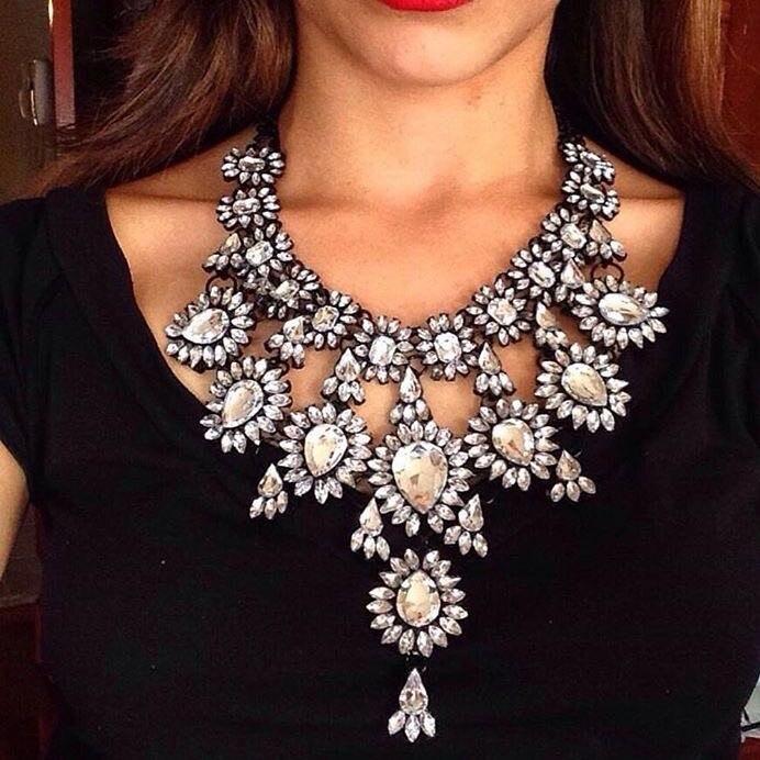 gros collier femme 2016 necklaces pendants flower crystal collares mujer sherlock moda. Black Bedroom Furniture Sets. Home Design Ideas