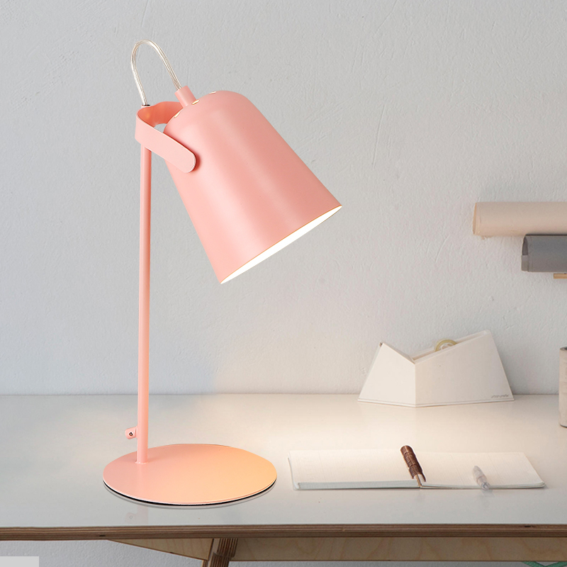 где купить table lamp Nordic modern simple creative personality desk reading office bedside desk lamps по лучшей цене