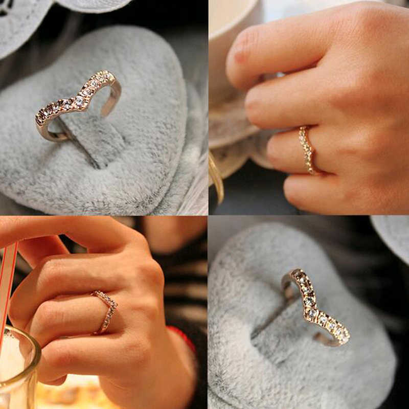 2016 New Hot Sale Fashion Elegant Women Cute New Unique Jewelry Shaped Shiny V Crystal Ring NJ26 Direct Delivery