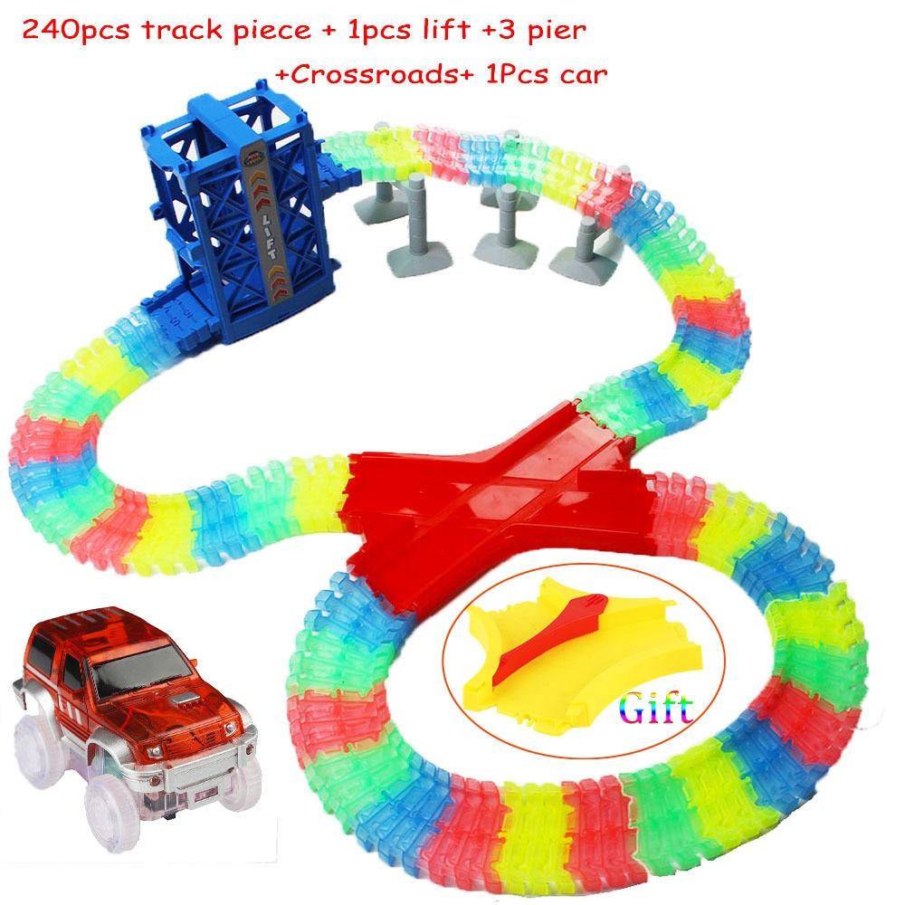 New Rail Car Elevator Toy Set 160pcs Track Piece+1pcs Lift+3 Pier+1 Corssroad+1LED Car Childrens Favorite Birthday Gift