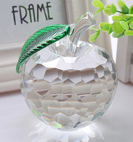 משקולת נייר קריסטל apple משקולת נייר זכוכית 50 מ