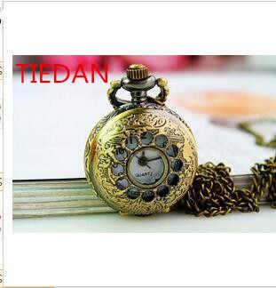 Vendite calde di cristallo Antica hollow Charme out Uomo donna orologi Da Tasca collana del pendente 10 pz/lotto