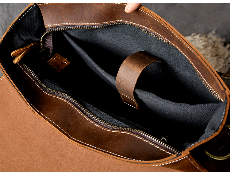 inside of the owai luxury messenger backpack