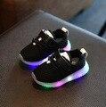 Meninos meninas tenis trainer criança luminosa esporte malha respirável shoes para diodo emissor de luz crianças sapatilha crianças primeiro walker sandálias do bebê