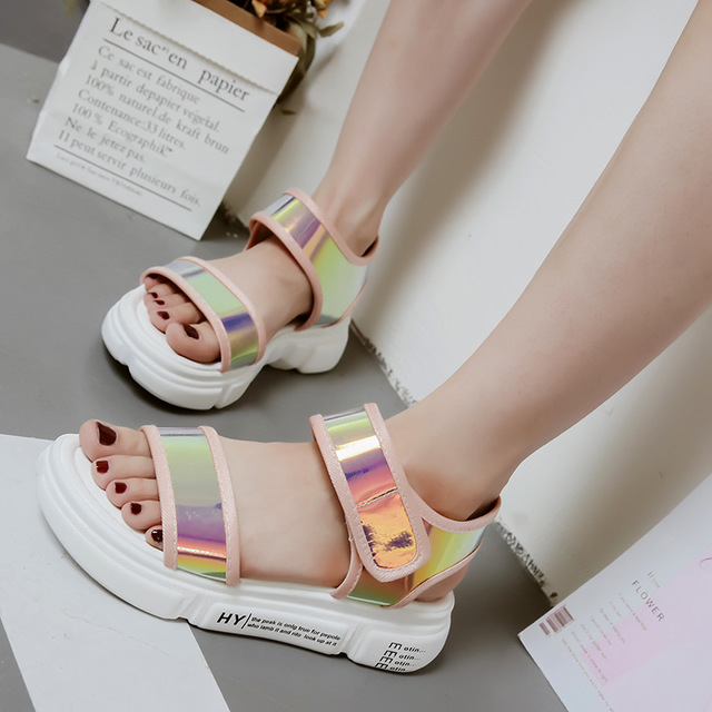 2018 summer new muffin platform sandals female Korean version of the wild flat casual student sandals women's shoes. 2